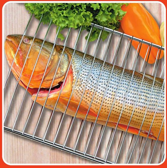 Serve para assar peixes de até 5 kg de peso