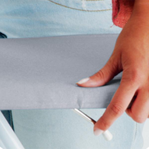 Regulagem de Altura! Com o acionamento da alavanca a mesa se ajusta na altura que desejar.